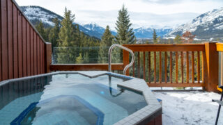 hotels with private outdoor hot tubs banff - Hidden Ridge Resort on Tunnel Mountain