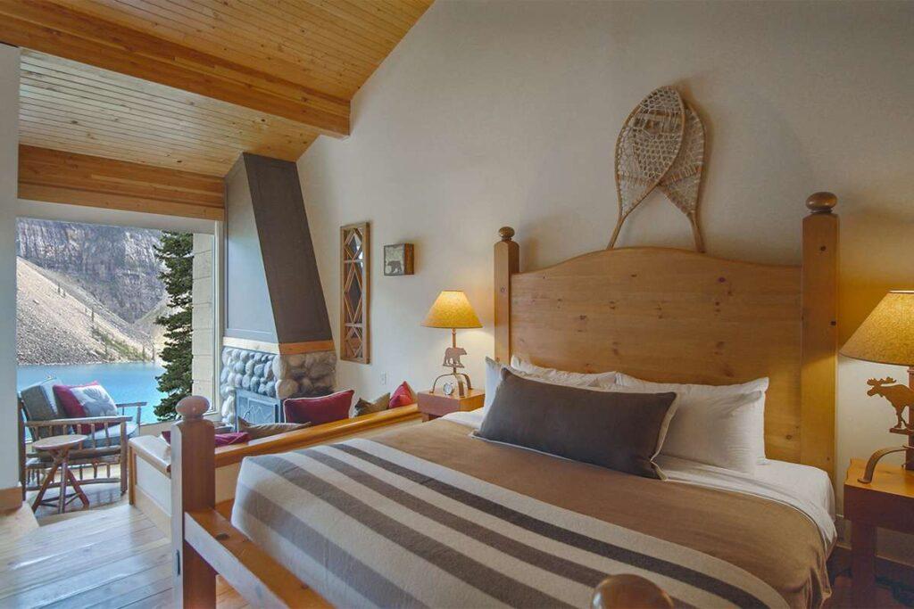 best Lake Louise accommodations - Moraine Lake Lodge