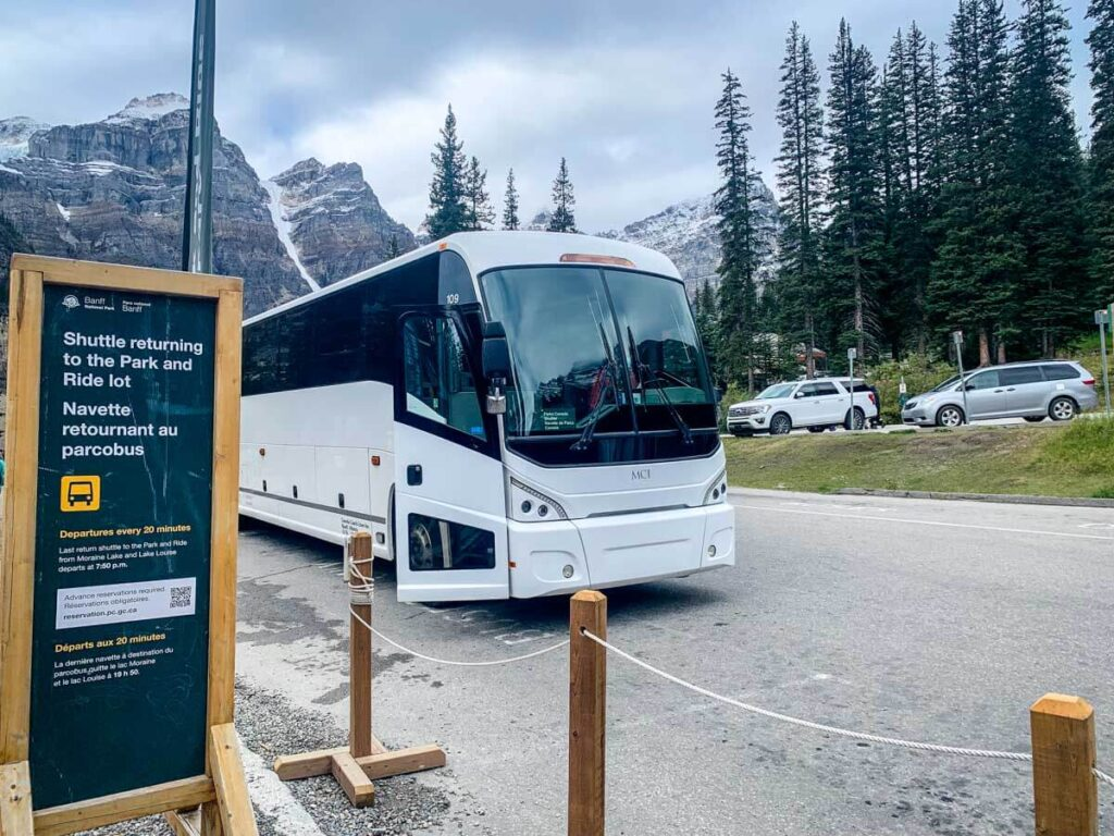 Get to moraine lake shuttle