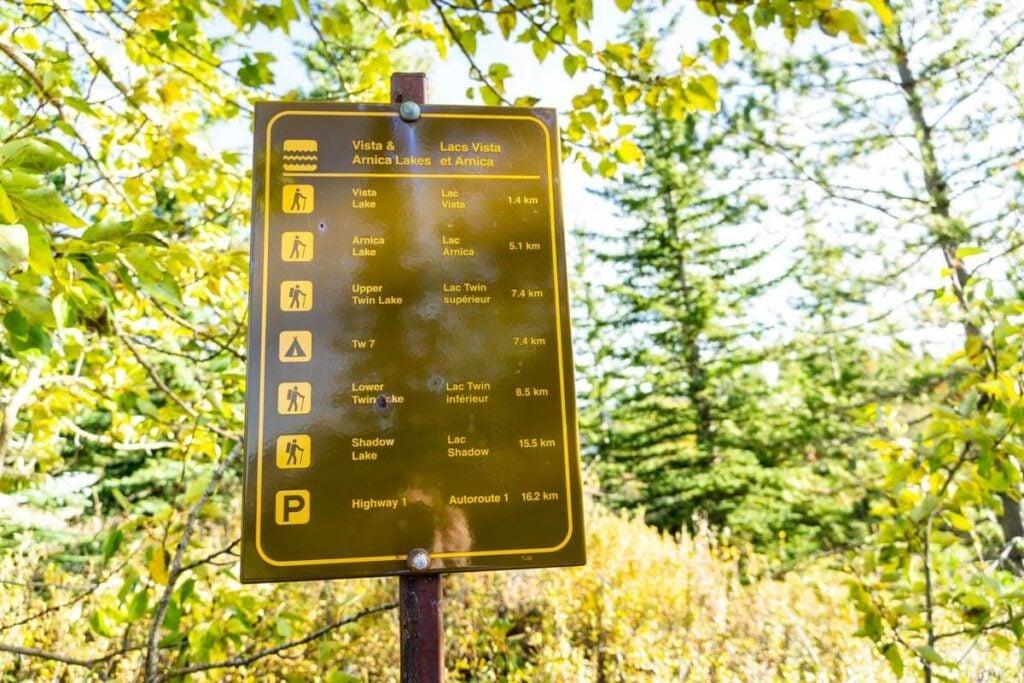 trail sign to Vista Lake, Arnica lake, the Twin Lakes and Shadow Lake