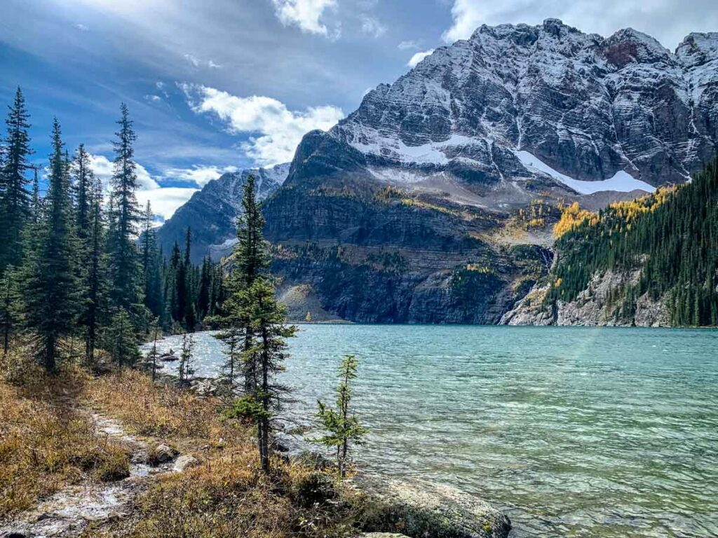 Enjoy Fall colours in Banff around Lower Twin Lake