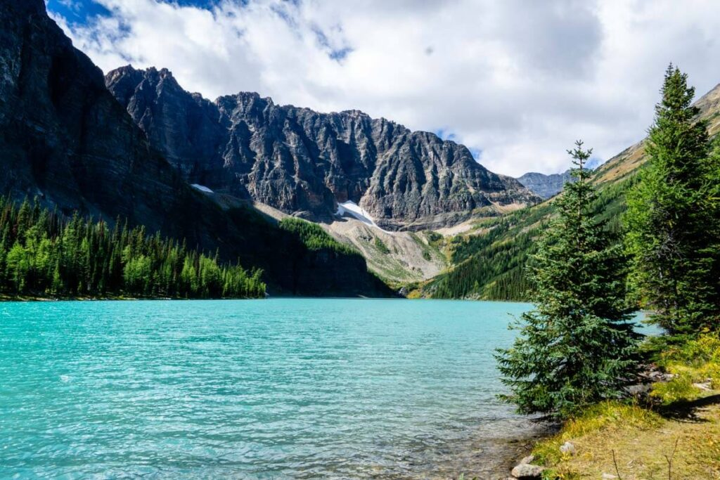 Taylor Lake in Banff in early September