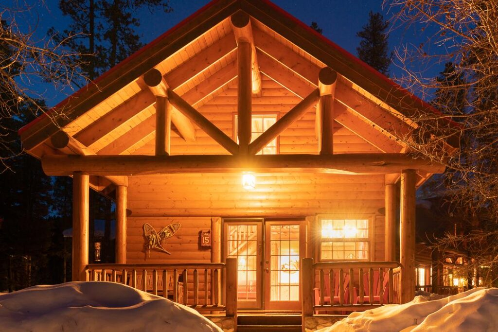 best lake louise area hotels