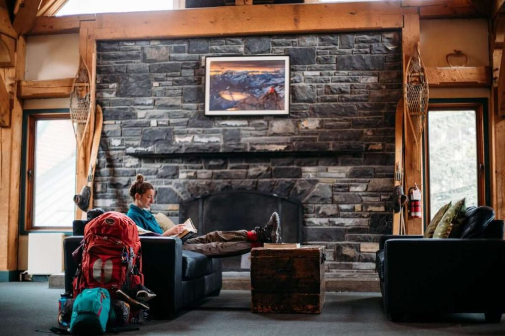 best cheap hotels in Lake Louise