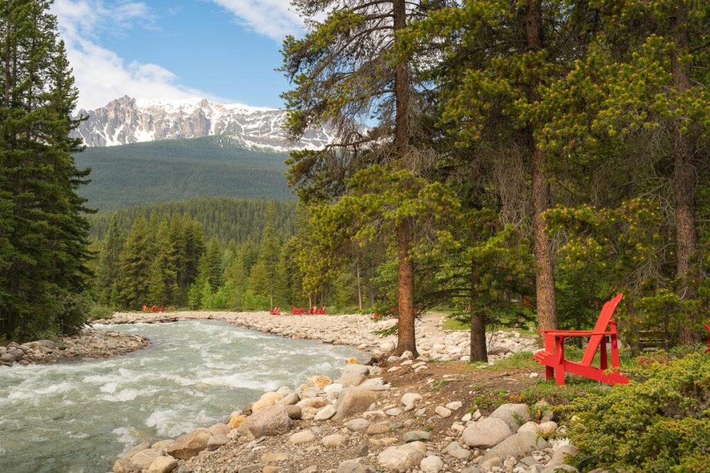 best places to stay near lake louise
