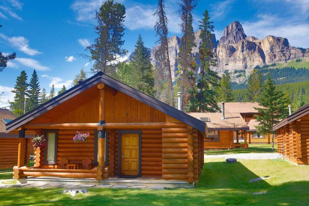 hotels near lake louise - Castle Mountain Chalets has cabins for rent