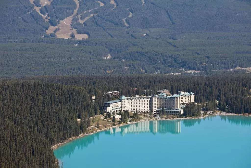 the stunning lakefront setting of the Fairmont Chateau Lake Louise