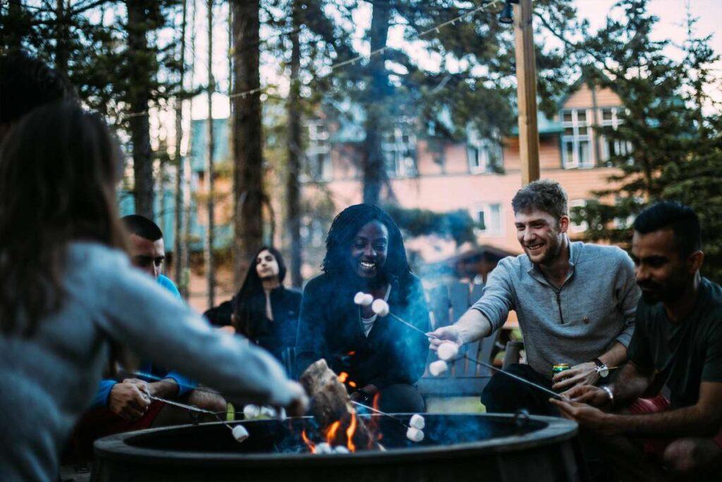 cheap accommodations at Lake Louise, Canada
